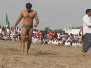 Indian wrestler's hot bulge video