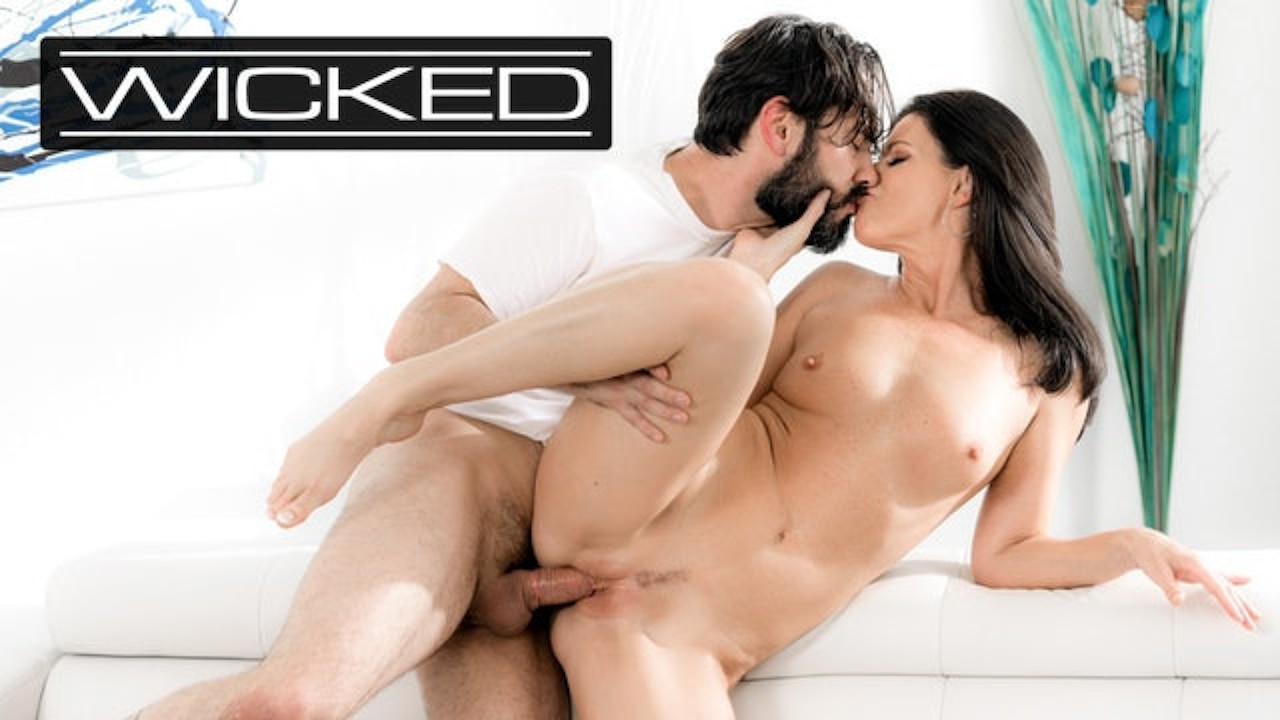 India Summer Makes Awkward Date Feel More Comfortable Wicked download