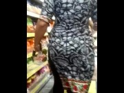 INDIAN IN SEXY SAREE WITH SLIT SHOWING VPL CANDID video